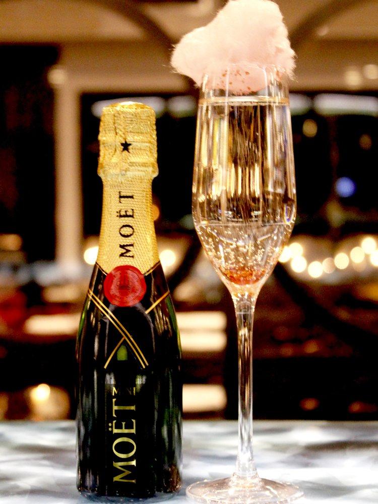 por-que-eu-devo-beber-mais-champanhe-este-ano