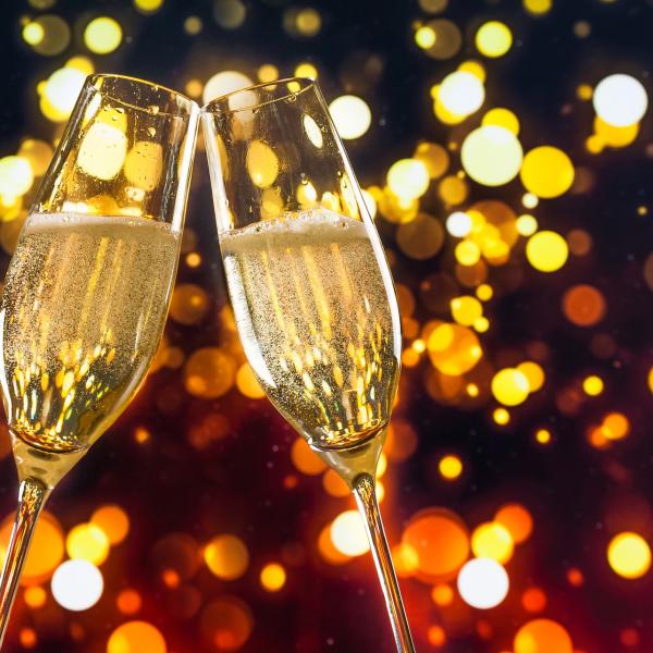 por-que-eu-devo-tomar-mais-champanhe-este-ano