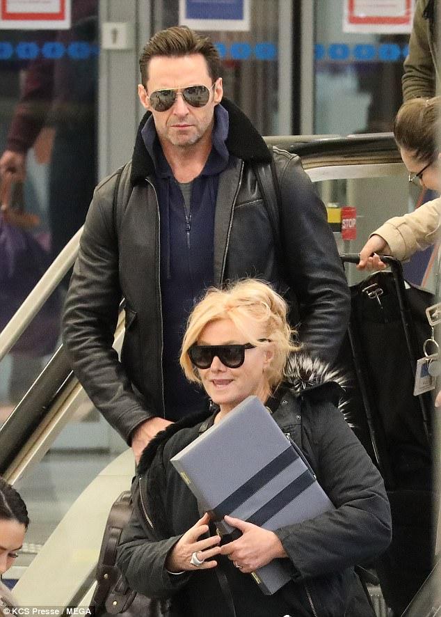 o-ator-hugh-jackman-e-deborrah-lee-furnes-um-casal-em-que-a-diferenca-de-idade-e-apenas-um-numero