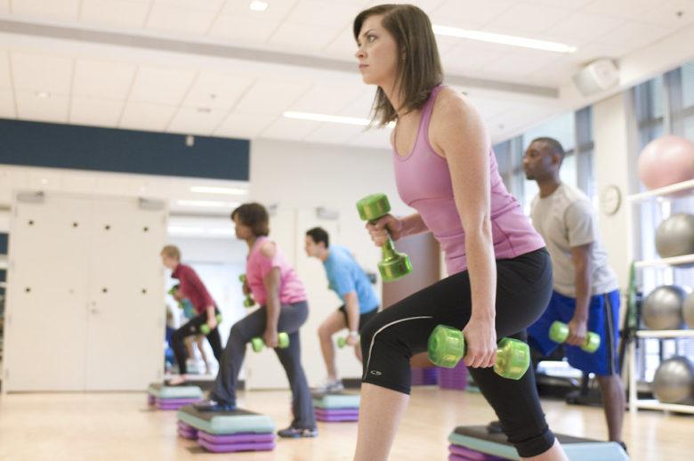 atividades-fisicas-para-mulheres-acima-dos-50-anos